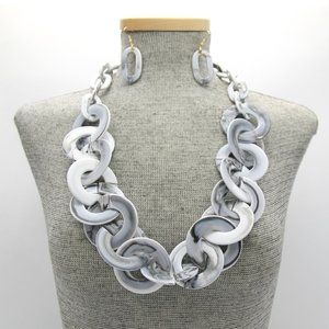 Jewelry - White and Gray Marbleized Chain Necklace Set